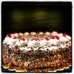 کیک شکلات آلبالو (جنگل)